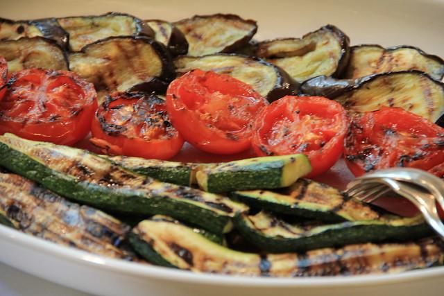 5629326374 16d3f8db39 z Traditional Argentinian Cuisine – Host an Asado