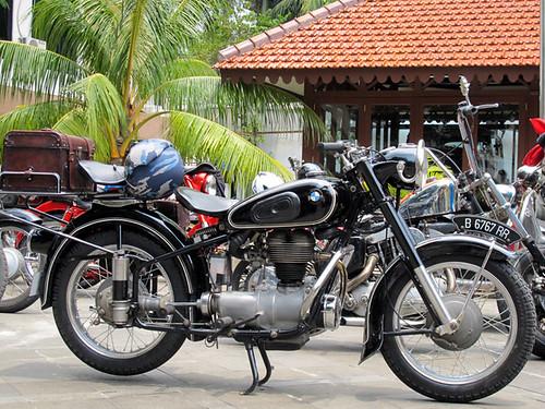 Motor Antique Club Indonesia _11