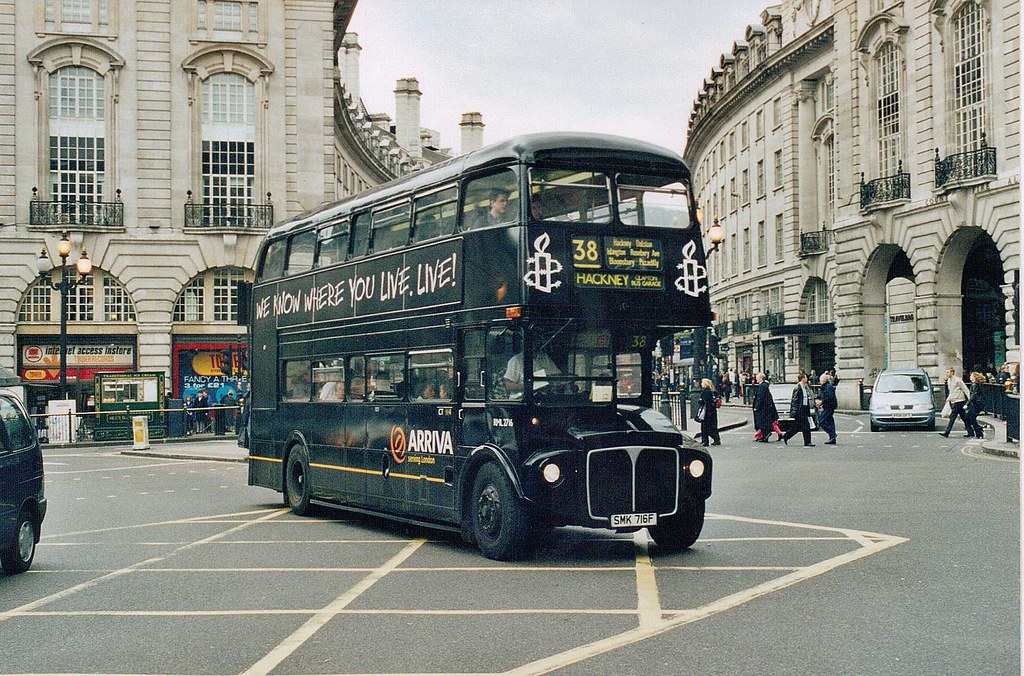 RML 2716 (CT) at Piccadilly Circus. Saturday 21st April 2001. 394-35.