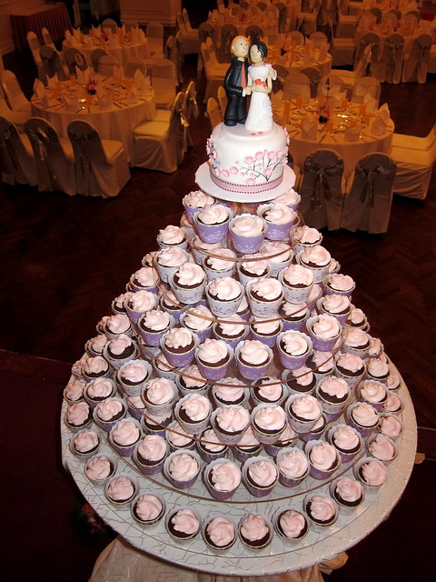 Tin Tin Wedding Cake Cupcakes Flickr Photo Sharing
