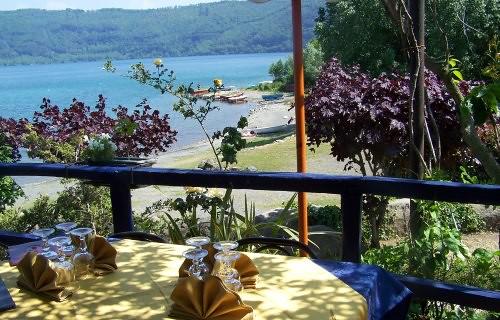 I Quadri 2000 ristorante pizzeria stabilimento balneare con Take Way a Castel Gandolfo lago