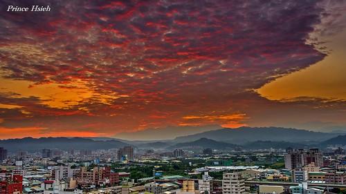 clouds taiwan myhome beforethesunrise 台中市 taichungcity 晨彩 sonya850 sony2470za 我家出水口