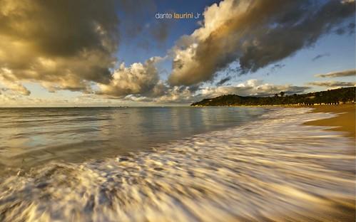 ocean sunset brazil brasil sunrise boat mar fisherman nuvem northeast isopor alvorada oceano nordeste alagoas jangada cfc japaratinga sigma1020 nikond90 dantelaurinijr