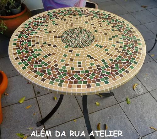 Mesa e bancos de mosaico al m da rua atelier for Mesas de mosaico