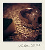Der Eiserne Fotograf des Nachts in der Küche by Charlie-Weber