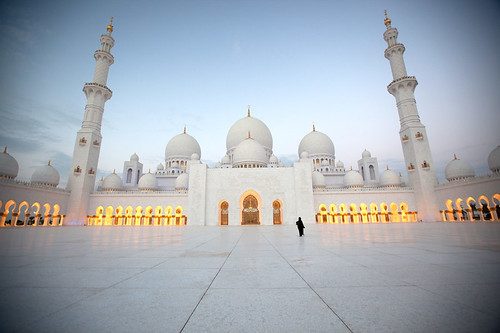 Sheikh Zayed Grand Mosque - Road to The Light الطريق الى النور