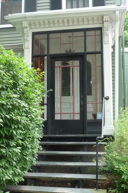 Avon Hill - Upland Street enclosed entrance, Cambridge, MA