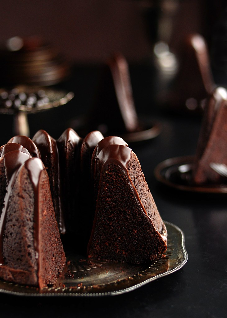 Chocolate Bundt Cake With Dark Chocolate Glaze