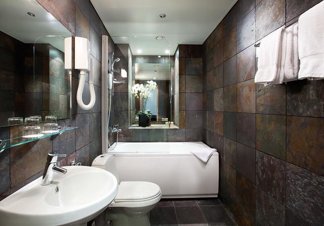 Zen bathroom von stackelberg hotel tallinn flickr - Distributeur savon salle de bain ...