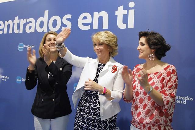 Esperanza aguirre y maria dolores de cospedal en illescas - Illescas garden ...