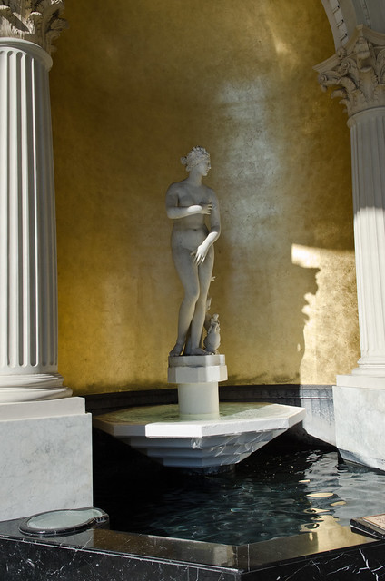 Caesars palace venus de medici statue flickr photo for Garden statues las vegas nv