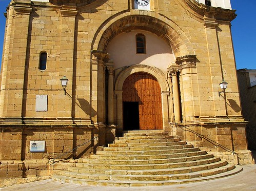 Chiprana: Fachada Iglesia San Juan Bautista