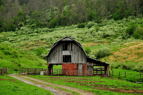 storm clouds landscape countryside country barns westvirginia genealogy settlers farms pioneer appalachia lewiscounty sooc nikond90 janelew centralwestvirginia hackerscreek