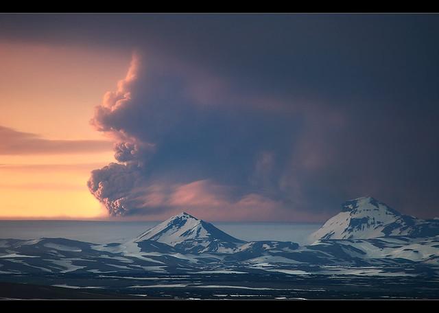 Volcanic Sunrise - Grímsvötn Eruption, Vatnajökull, Iceland