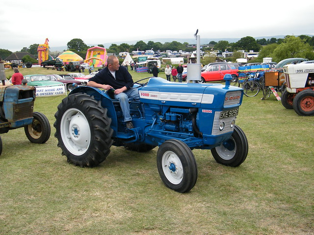 1965 Ford 3000 Tractor : Ford tractor flickr photo sharing