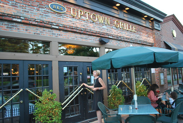 Uptown Grill American Restaurant Lincoln Park La Salle