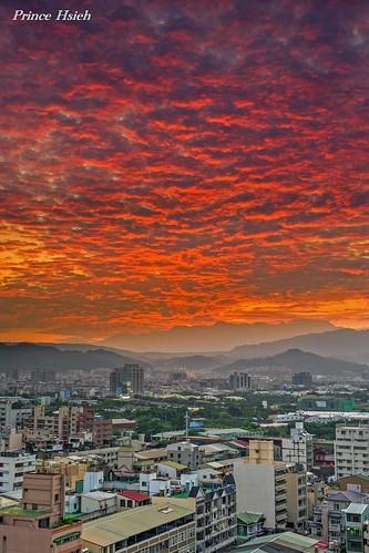 clouds sunrise taiwan myhome 日出 台中市 taichungcity 晨彩 sonya850 sony2470za 我家出水口