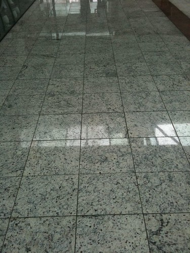 11 fotos de piso de granito em rea comercial vsb piso for Tipos de granito para pisos