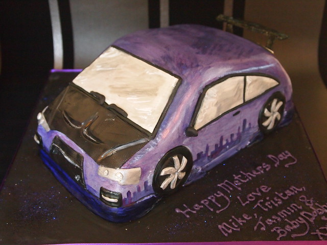handpainted Purple car cake
