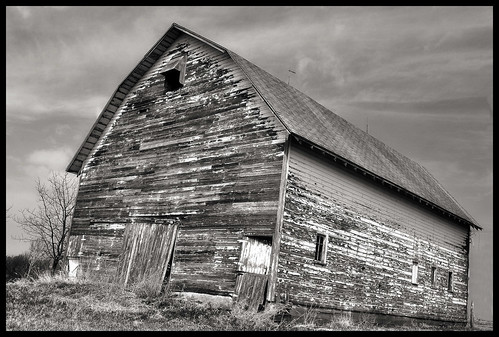 county door old bw black building abandoned barn geotagged photo interestingness nikon midwest decay farm barns iowa abandon weathered farms lonely decayed dilapidated forlorn supershots d5000 oldandbeautiful mmmilikeit natrualwood allbeautifulshotsanmore