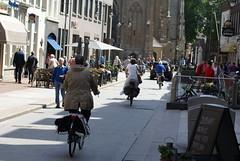 Fietsers in de Kerkstraat in Den Bosch