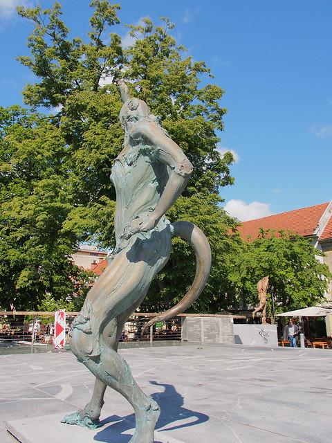 屠夫橋最知名的銅雕