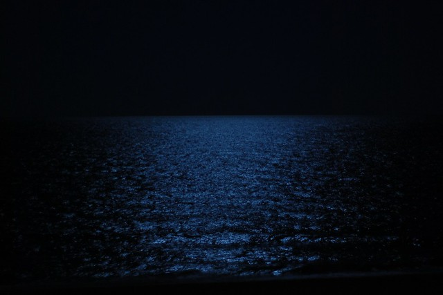 how to draw the ocean at night