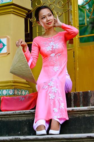 無料写真素材, 人物, 女性  アジア, アオザイ, 女性  座る, ベトナム人