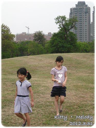 120331-姐妹小時候總是不合的