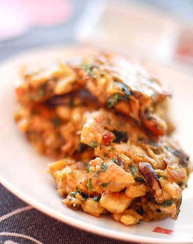 Curried mussel and kumara fritters
