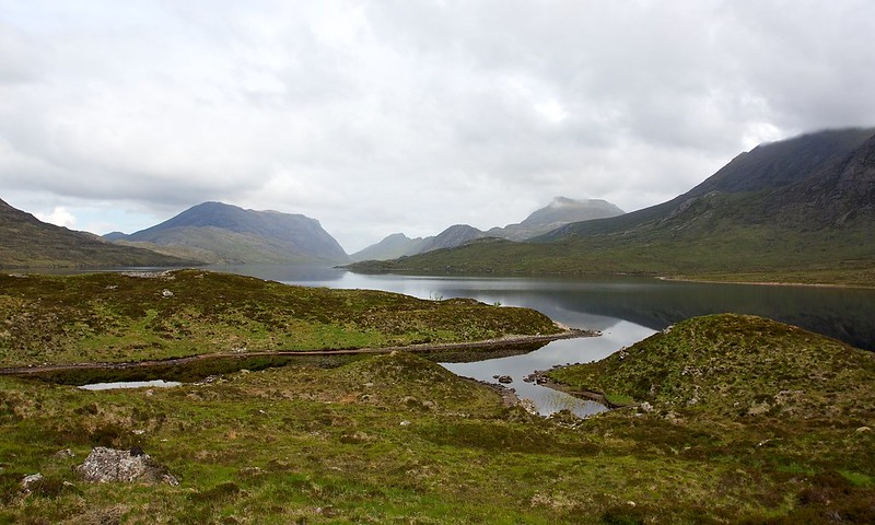 Walking around the head of Lochan Fada