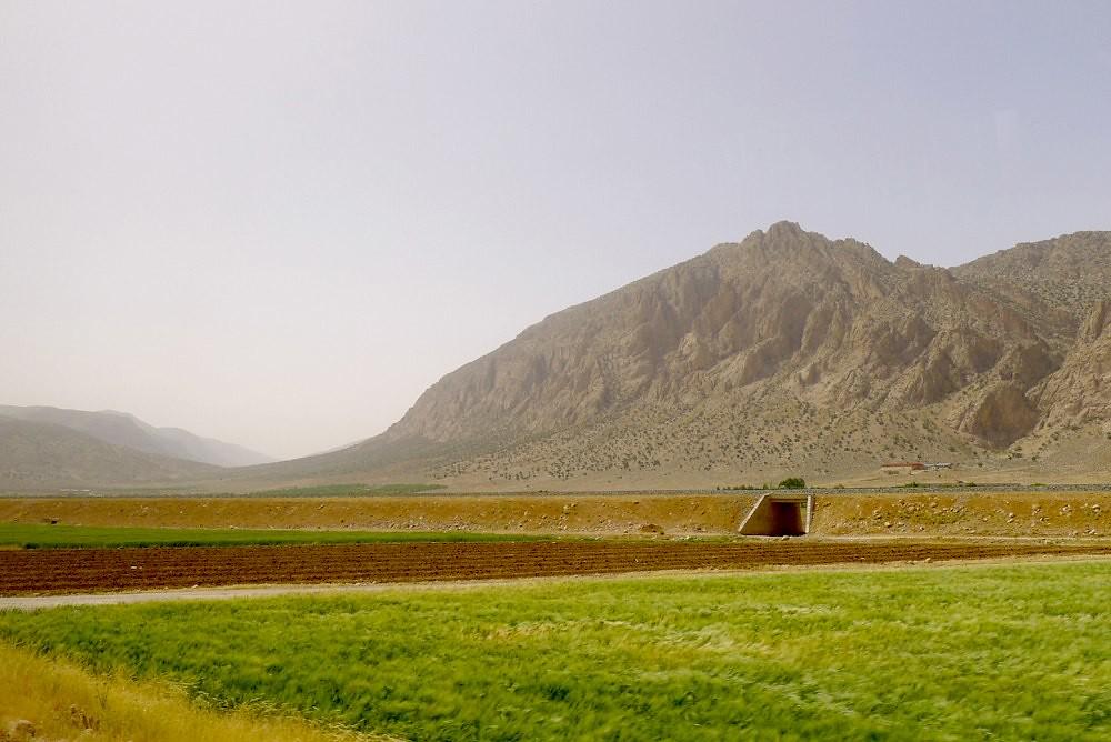 yazd-shiraz-L1030134