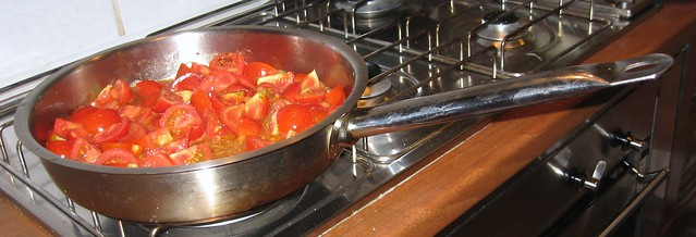 La Tavola Marche, cooking lesson, cherry tomato sause for pasta