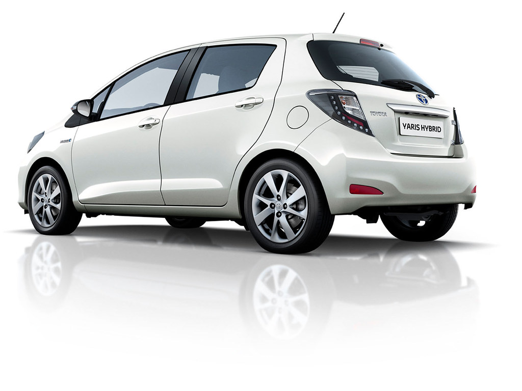 Toyota yaris hybrid 2012 exterior toyota motor europe flickr for Exterior accessories toyota yaris