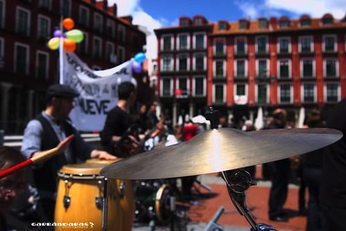 ...la escuela de música se mueve... by Garbándaras