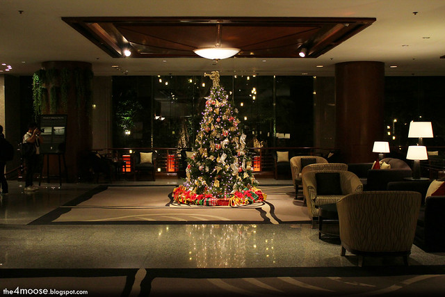 Banyan Tree Bangkok - Christmas Tree