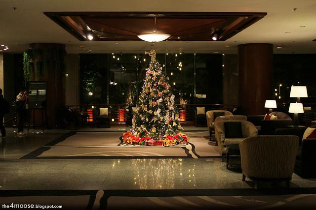 Banyan Tree Bangkok - Christmas Tree