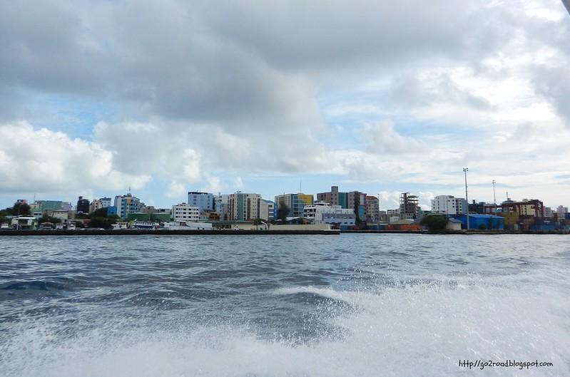 Столица Мальдив - Мале, расположена на острове