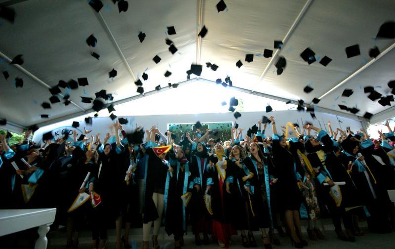 Üsküdar Üniversitesi ilk mezunlarını verdi