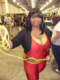 WONDER GIRL COSPLAY 2011 AT WIZARD WORLD PHILADELPHIA 2011
