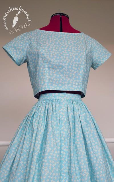 blog, marchewkowa, szycie, sewing, retro, vintage, Butterick 5605, 50s, 60s, set, blouse, skirt, flowers, coton, cottonbee.pl, kreton, design, nadruk
