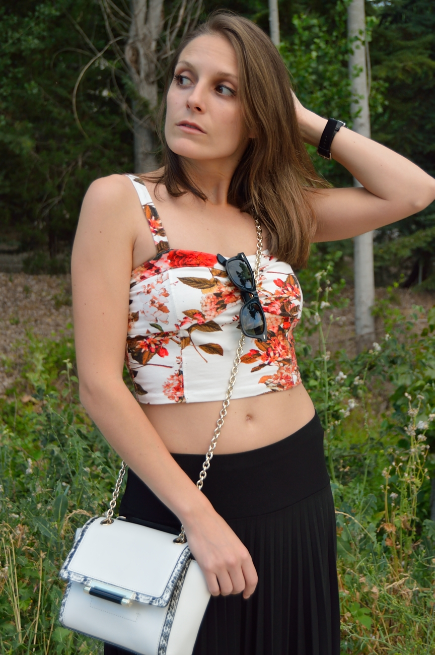 lara-vazquez-madlula-blog-style-fashion-top-dvf-bag