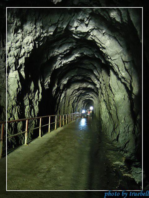 入口進去就是隧道