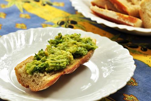 Avocado Butterbirne Butterfrucht Brotaufstrich Rohkost Vorspeise Mittelmeer Rezept Mexiko mexikanisch Guacamole Brigitte Stolle