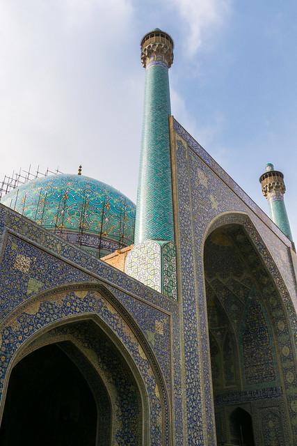 Facadeof Imam mosque, Isfahan, Iran イスファハン、王のモスク外観