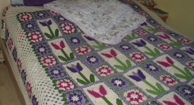 Crochet Pattern For Tulip Afghan : Crochet Tulip-Granny Square Afghan Flickr - Photo Sharing!