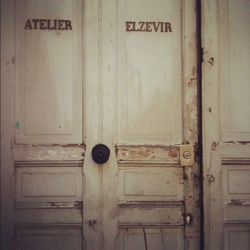Morning at Atelier Elzevir by la casa a pois