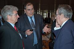 Prof. Friedrich Indra und Prof. Dr. Uwe Dieter Grebe in der Diskussion mit Prof. Dr. Hans-Peter Lenz