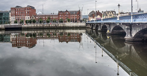 Queens Bridge Belfast by infomatique