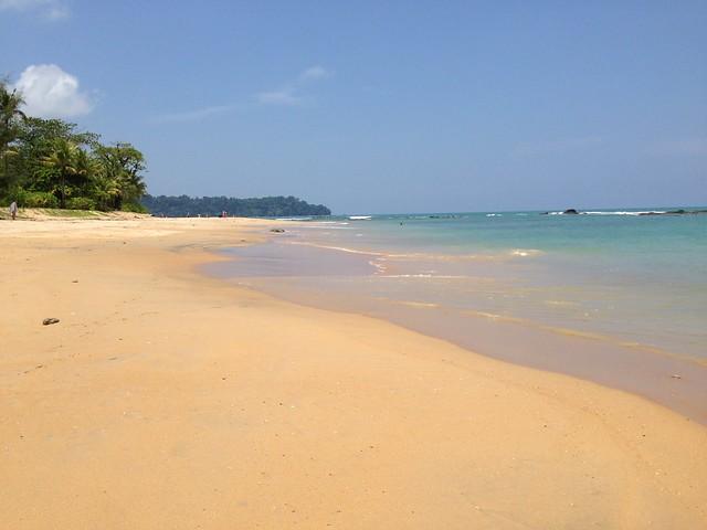 Playa de Khao Lak. Bahía de Phang Nga. Tailandia.